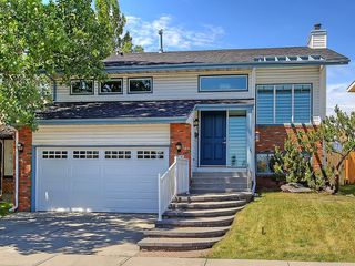 Photo 1: 31 WOODMONT Way SW in Calgary: Woodbine House for sale : MLS®# C4125485