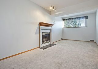 Photo 34: 31 WOODMONT Way SW in Calgary: Woodbine House for sale : MLS®# C4125485