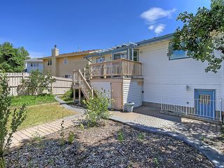 Photo 46: 31 WOODMONT Way SW in Calgary: Woodbine House for sale : MLS®# C4125485
