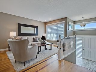 Photo 6: 31 WOODMONT Way SW in Calgary: Woodbine House for sale : MLS®# C4125485