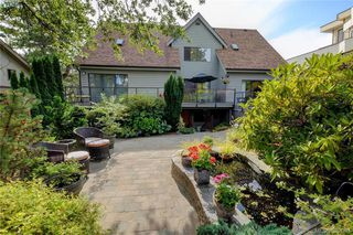 Photo 13: 878 Denford Crescent in VICTORIA: SE Lake Hill Single Family Detached for sale (Saanich East)  : MLS®# 382091
