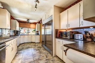 Photo 2: 977 Pitcairn Court in Kelowna: Glenmore House for sale (Central Okanagan)  : MLS®# 10138038