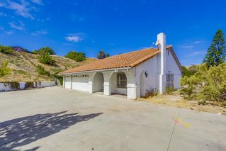 Photo 3: EL CAJON House for sale : 4 bedrooms : 1630 Honey Hill Rd