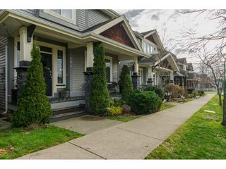 "Photo 2: 6642 193A Street in Surrey: Clayton House for sale in ""Parkside"" (Cloverdale)  : MLS®# R2228048"