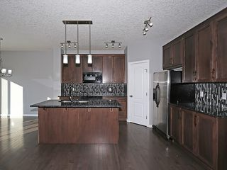 Photo 3: 142 SAGE BANK Grove NW in Calgary: Sage Hill House for sale : MLS®# C4149523