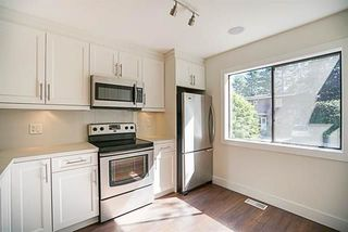 """Photo 2: 280B EVERGREEN Drive in Port Moody: College Park PM Townhouse for sale in """"EVERGREEN"""" : MLS®# R2235154"""