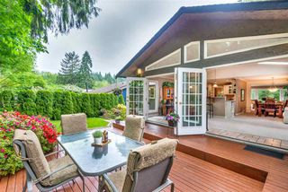 """Photo 3: 1061 KINLOCH Lane in North Vancouver: Deep Cove House for sale in """"Deep Cove"""" : MLS®# R2270628"""