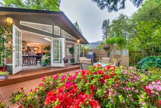 """Photo 11: 1061 KINLOCH Lane in North Vancouver: Deep Cove House for sale in """"Deep Cove"""" : MLS®# R2270628"""