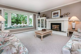 """Photo 9: 1061 KINLOCH Lane in North Vancouver: Deep Cove House for sale in """"Deep Cove"""" : MLS®# R2270628"""