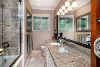 """Photo 15: 1061 KINLOCH Lane in North Vancouver: Deep Cove House for sale in """"Deep Cove"""" : MLS®# R2270628"""