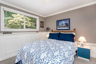 """Photo 19: 1061 KINLOCH Lane in North Vancouver: Deep Cove House for sale in """"Deep Cove"""" : MLS®# R2270628"""
