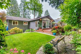 """Photo 12: 1061 KINLOCH Lane in North Vancouver: Deep Cove House for sale in """"Deep Cove"""" : MLS®# R2270628"""