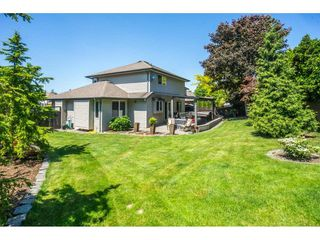 Photo 19: 18276 68A Avenue in Surrey: Cloverdale BC House for sale (Cloverdale)  : MLS®# R2271125