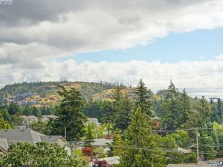 Photo 6: 411 866 Brock Ave in VICTORIA: La Langford Proper Condo for sale (Langford)  : MLS®# 792063