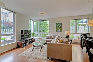 "Photo 2: 124 735 W 15TH Street in North Vancouver: Hamilton Townhouse for sale in ""Seven35"" : MLS®# R2305774"