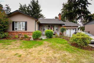 Photo 3: 3345 Roberlack Road in VICTORIA: Co Wishart South Single Family Detached for sale (Colwood)  : MLS®# 399816