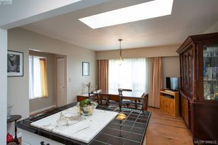 Photo 7: 3345 Roberlack Road in VICTORIA: Co Wishart South Single Family Detached for sale (Colwood)  : MLS®# 399816