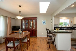 Photo 12: 3345 Roberlack Road in VICTORIA: Co Wishart South Single Family Detached for sale (Colwood)  : MLS®# 399816