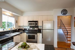 Photo 10: 3345 Roberlack Rd in VICTORIA: Co Wishart South House for sale (Colwood)  : MLS®# 797590