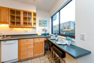"""Photo 6: 102 642 E 7TH Avenue in Vancouver: Mount Pleasant VE Condo for sale in """"Ivan Manor"""" (Vancouver East)  : MLS®# R2325705"""