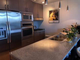 """Photo 2: 2403 1211 MELVILLE Street in Vancouver: Coal Harbour Condo for sale in """"THE RITZ"""" (Vancouver West)  : MLS®# R2328944"""