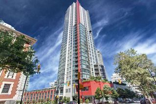 """Photo 10: 2403 1211 MELVILLE Street in Vancouver: Coal Harbour Condo for sale in """"THE RITZ"""" (Vancouver West)  : MLS®# R2328944"""