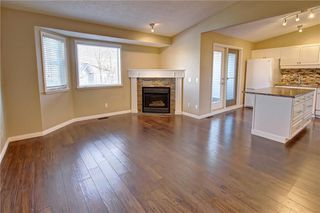 Photo 5: 86 VALLEY RIDGE Heights NW in Calgary: Valley Ridge Row/Townhouse for sale : MLS®# C4222084
