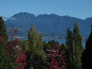 """Photo 3: 502 2580 TOLMIE Street in Vancouver: Point Grey Condo for sale in """"Point Grey Place"""" (Vancouver West)  : MLS®# R2334008"""