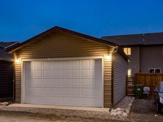 Photo 35: 49 LEGACY Mews SE in Calgary: Legacy Semi Detached for sale : MLS®# C4225776