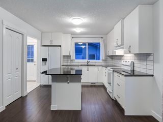 Photo 12: 49 LEGACY Mews SE in Calgary: Legacy Semi Detached for sale : MLS®# C4225776