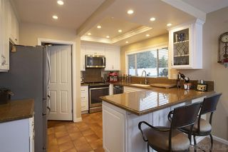Photo 7: RANCHO SAN DIEGO House for sale : 4 bedrooms : 2517 Ridgeside Place in Spring Valley