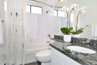 """Photo 15: PH2 225 SIXTH Street in New Westminster: Queens Park Condo for sale in """"ST. GEORGE'S MANOR"""" : MLS®# R2349287"""