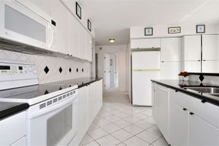 """Photo 3: PH2 225 SIXTH Street in New Westminster: Queens Park Condo for sale in """"ST. GEORGE'S MANOR"""" : MLS®# R2349287"""