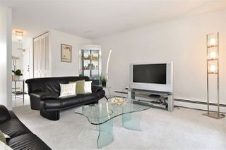 """Photo 4: PH2 225 SIXTH Street in New Westminster: Queens Park Condo for sale in """"ST. GEORGE'S MANOR"""" : MLS®# R2349287"""