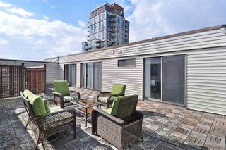 """Photo 5: PH2 225 SIXTH Street in New Westminster: Queens Park Condo for sale in """"ST. GEORGE'S MANOR"""" : MLS®# R2349287"""