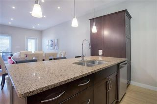 Photo 8: 2 725 Kingsway in Winnipeg: River Heights North condo for sale (1C)  : MLS®# 1905959