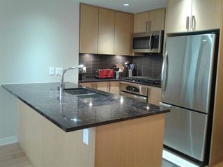 """Photo 8: 1904 2978 GLEN Drive in Coquitlam: North Coquitlam Condo for sale in """"Grand Central"""" : MLS®# R2359095"""