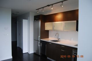 "Photo 2: 1204 10777 UNIVERSITY Drive in Surrey: Whalley Condo for sale in ""CITYPOINT"" (North Surrey)  : MLS®# R2371422"