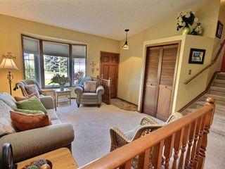 Photo 2: 10439 10 Avenue in Edmonton: Zone 16 House for sale : MLS®# E4164191