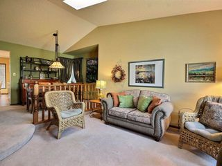 Photo 4: 10439 10 Avenue in Edmonton: Zone 16 House for sale : MLS®# E4164191