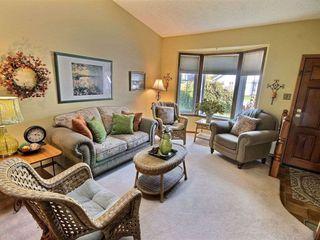 Photo 3: 10439 10 Avenue in Edmonton: Zone 16 House for sale : MLS®# E4164191
