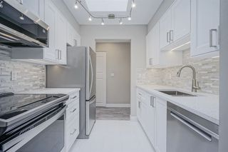 """Main Photo: 210 11771 KING Road in Richmond: Ironwood Townhouse for sale in """"KINGSWOOD DOWNES"""" : MLS®# R2386819"""