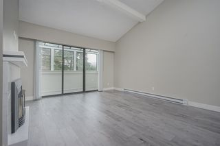 """Photo 8: 210 11771 KING Road in Richmond: Ironwood Townhouse for sale in """"KINGSWOOD DOWNES"""" : MLS®# R2386819"""