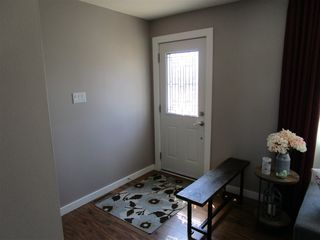Photo 3: 5312 90 Avenue in Edmonton: Zone 18 House for sale : MLS®# E4169299