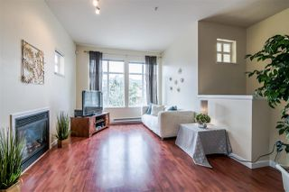 Photo 2: 4 935 EWEN AVENUE in New Westminster: Queensborough Townhouse for sale : MLS®# R2355621