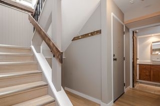 Photo 10: 211 141 18TH STREET in North Vancouver: Home for sale : MLS®# R2060329