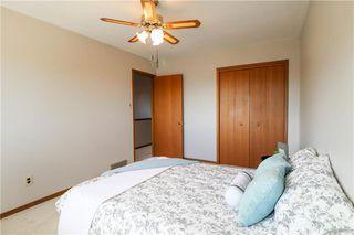 Photo 12: 52 Red Oak Drive in Winnipeg: Oakwood Estates Residential for sale (3H)  : MLS®# 202018136