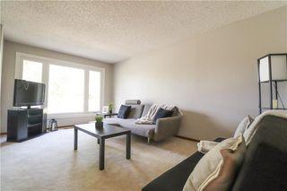 Photo 3: 52 Red Oak Drive in Winnipeg: Oakwood Estates Residential for sale (3H)  : MLS®# 202018136