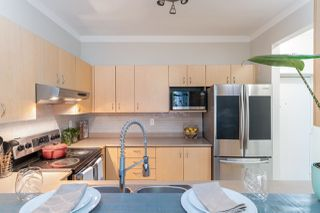 """Photo 9: 4 123 SEVENTH Street in New Westminster: Uptown NW Townhouse for sale in """"Royal City Terrace"""" : MLS®# R2498360"""