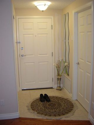 Photo 2: #306, 9819 - 96 A STREET: House for sale (Cloverdale)